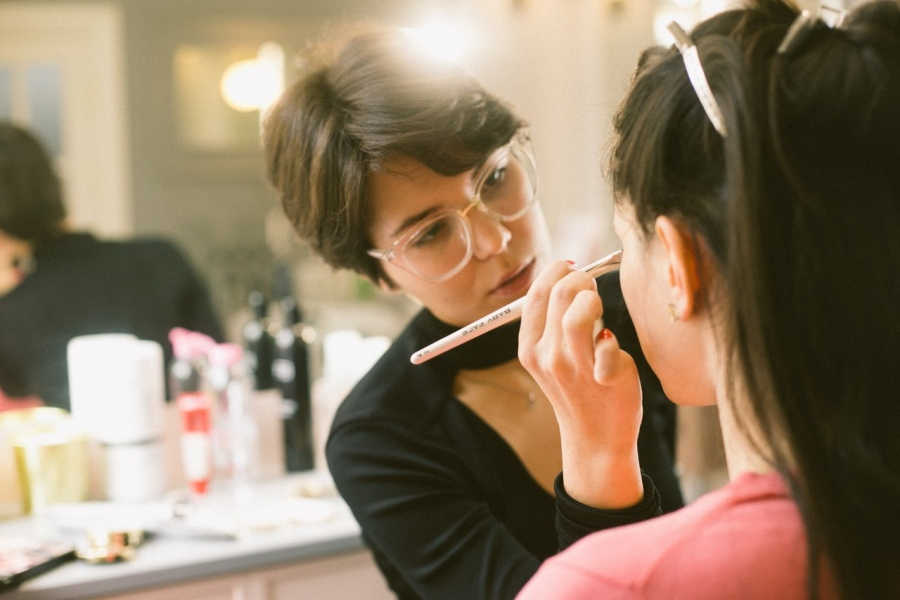How To Get The Best On Demand Beautician App In 2020?
