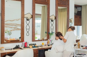 7 Effective Ways To Attract More Clients To Your Salon